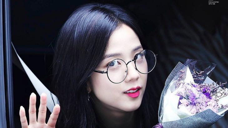 Korean Glasses -Trendiest Look of the Year