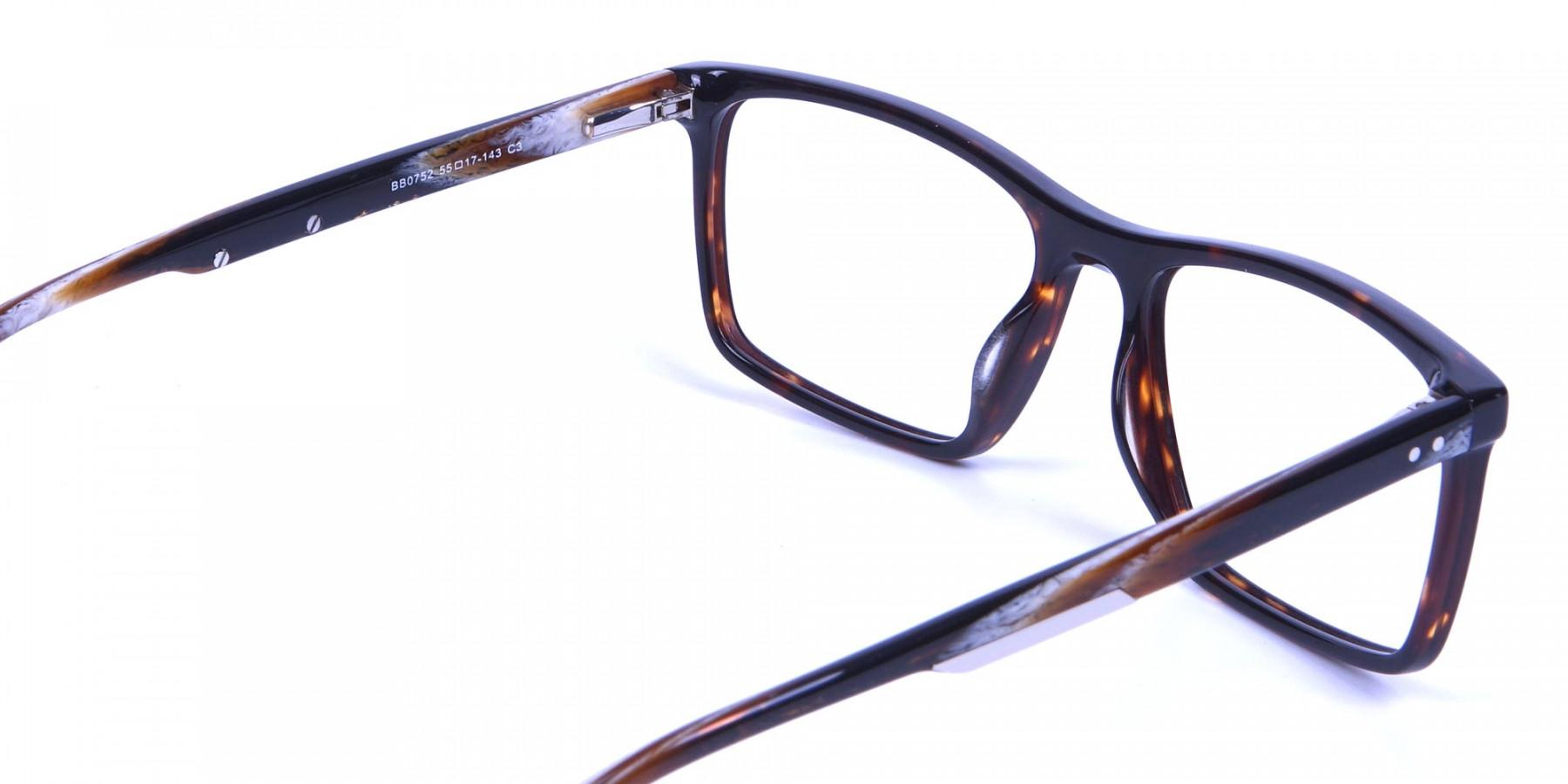 Rectangular glasses in tortoise shell for men & women