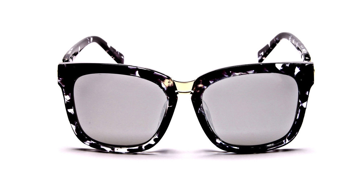 Black and White Oversized Wayfarer Sunglasses - 2