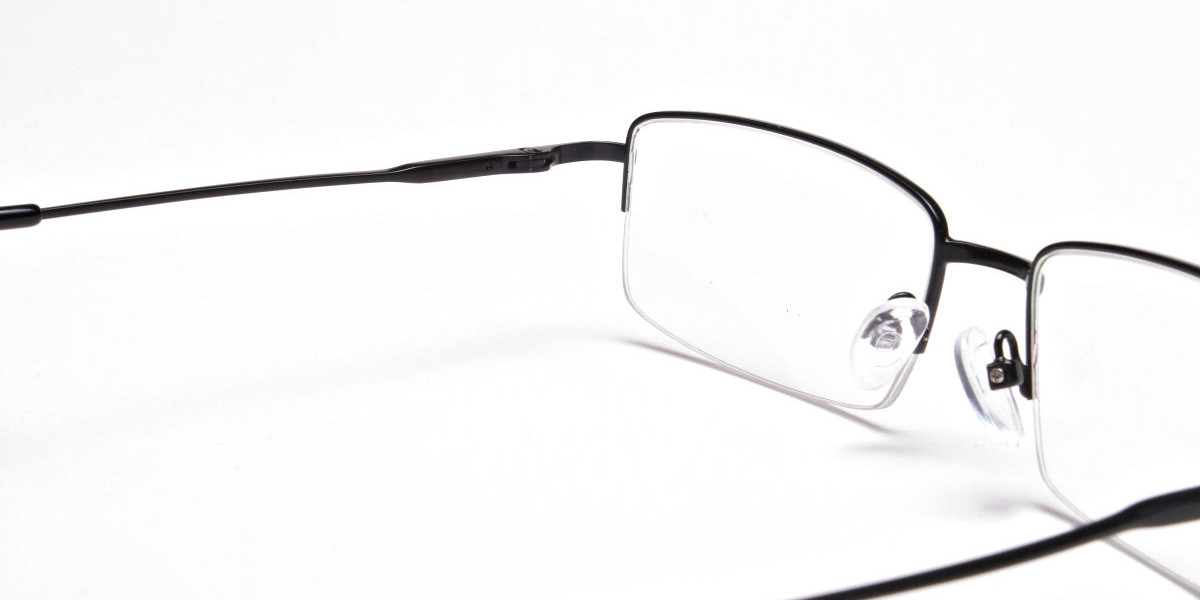 Rectangular glasses in Black - 1