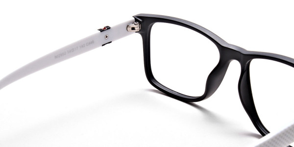 Black & White Frame Eyeglasses -4