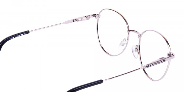 Classic-Black-and-Silver-Round-Glasses-5