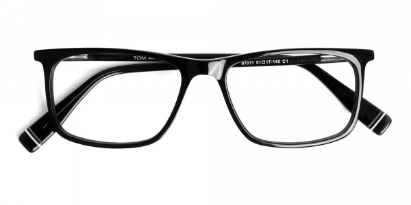 designer-black-glasses-in-rectangular-shape-frames-6