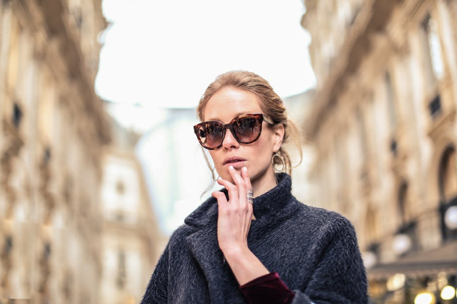 6 reasons why you need to wear sunglasses in autumn-winter