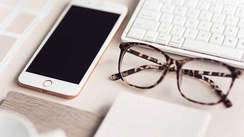 5 excellent glasses for an effortless work from home style