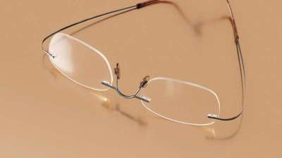 ADD ZING TO YOUR LOOK WITH RIMLESS GLASSES