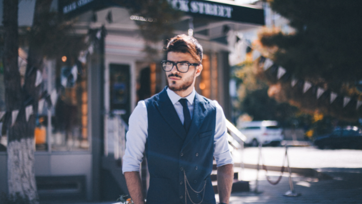 Popular eyeglasses styles for men to upgrade your look in 2021