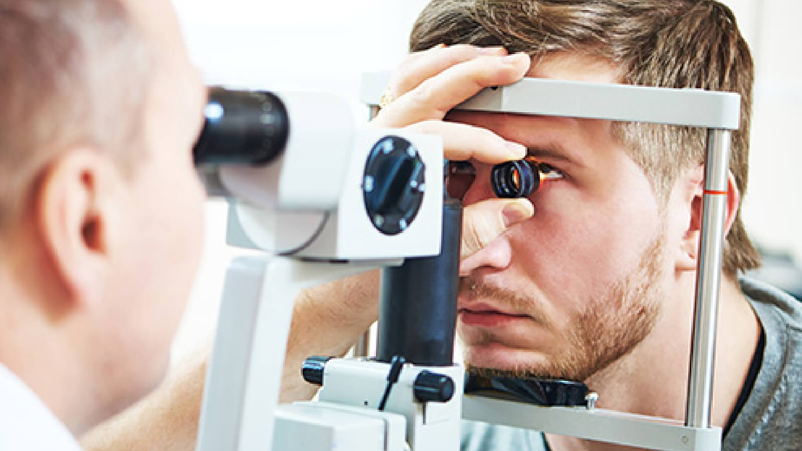regular eye test to prevent from glaucoma