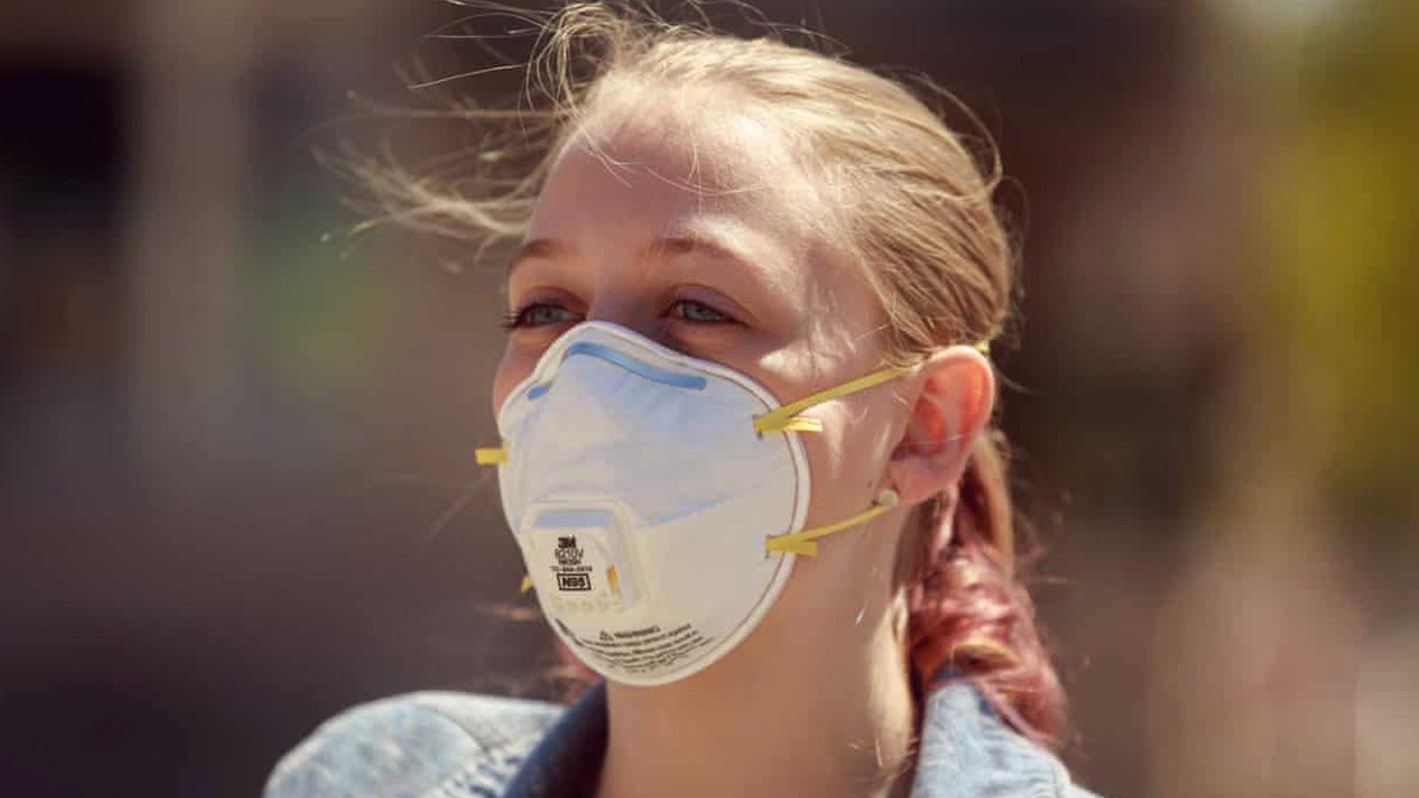 Prevent glass fogging using nose ridge