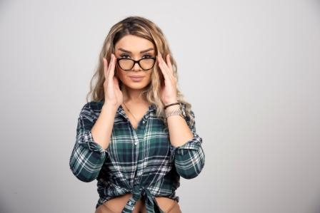 women-with-glasses