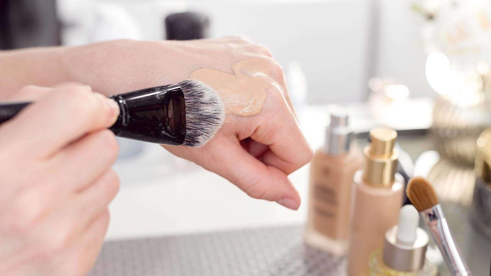 How to Get Rid of Raccoon Eyes After Tanning