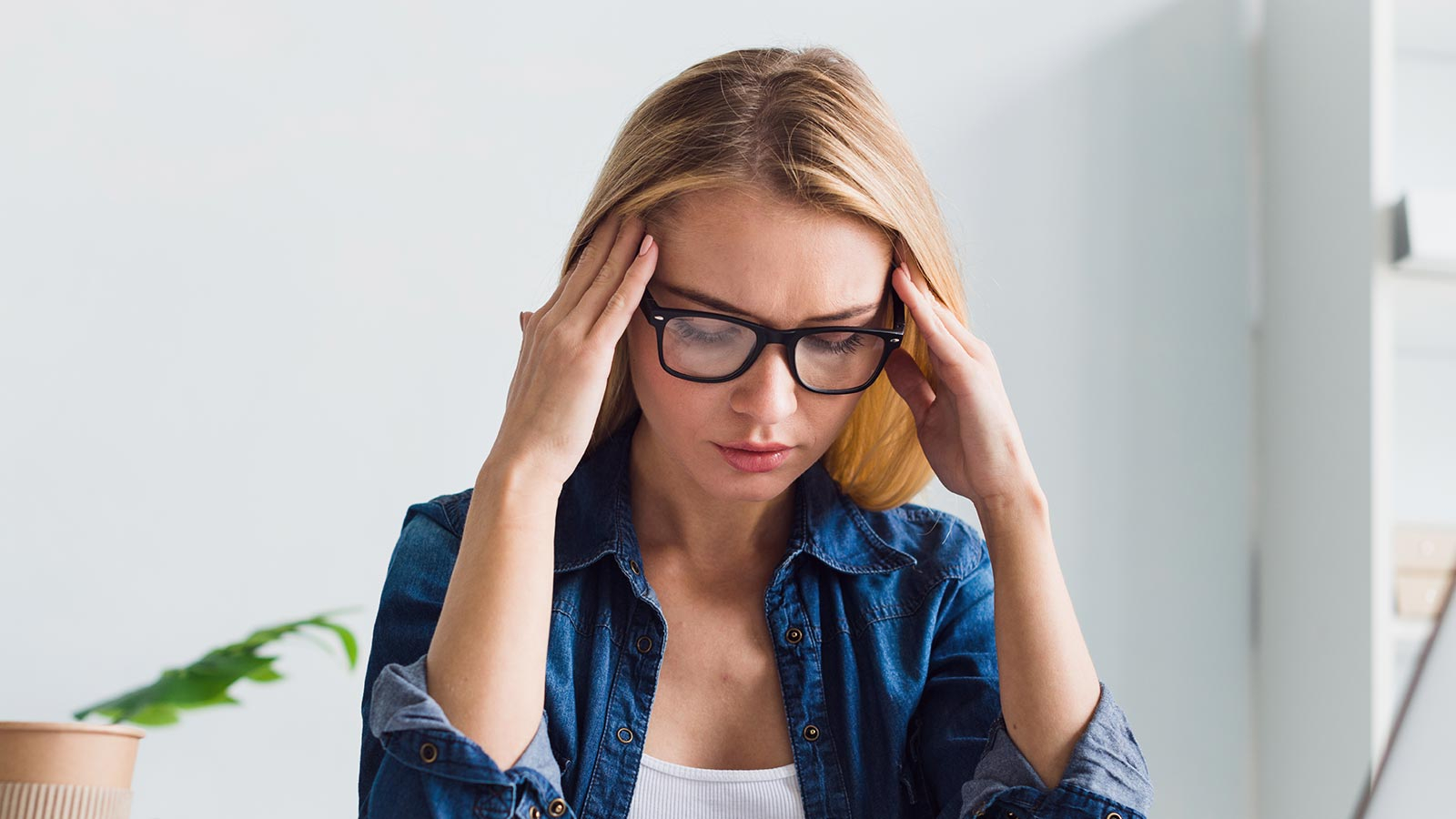 headache is a major side effects of adjusting to new eyeglasses